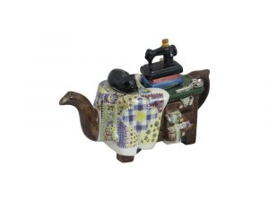 Quilt Maker Collectable Teapot Carters of Suffolk