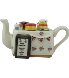 Armistice Day Cake Table Teapot Carters of Suffolk